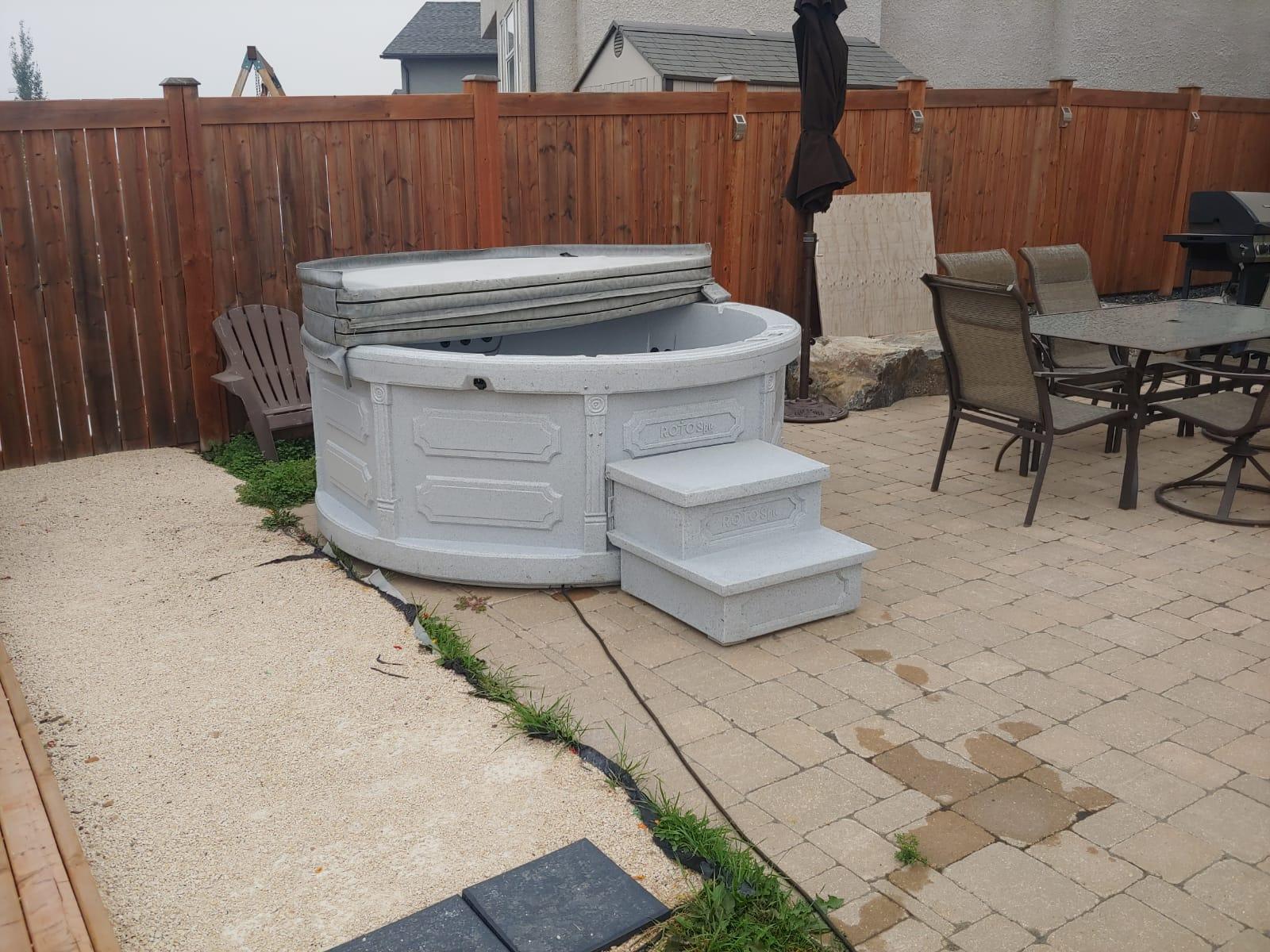 Rent-a-hot-tub-Portage-la-Prairie-Manitoba-The-Funky-Keg