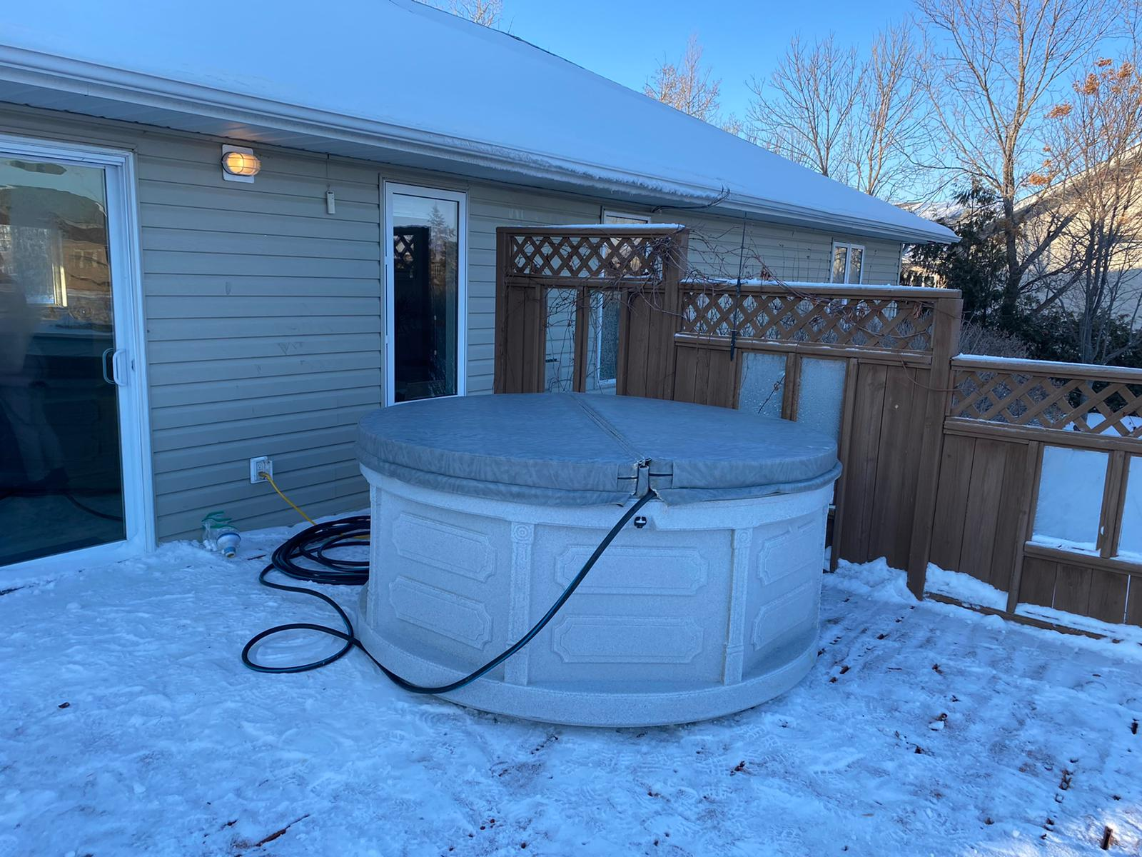 Rent-a-hot-tub-Selkirk-Manitoba-The-Funky-Keg